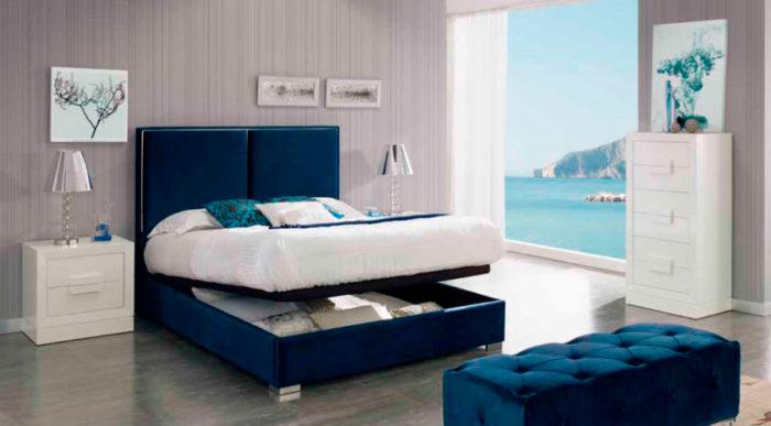 dormitorio principal azul marino cama matrimonio canapé mesillas cómoda piecero muebles Thermobel Segovia